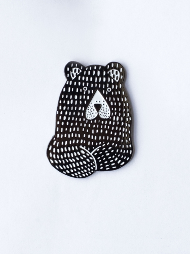 Metal pin Black bear